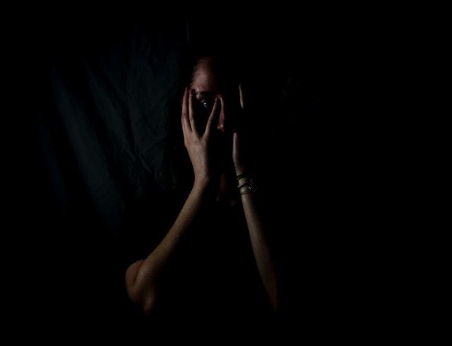 Nỗi sợ hãi khi bị ma trêu khi ngủ với những giấc mơ kinh hoàng